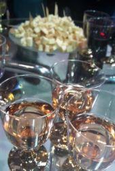 Gürcü şarapları ve isli sulguni peyniri